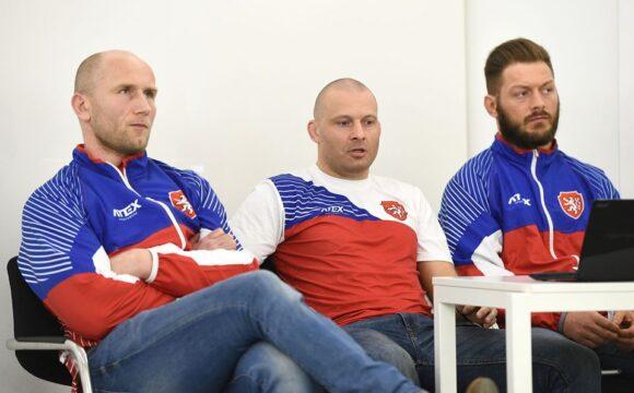 Ladislav Šnelly: Dokud bude šance, budeme bojovat